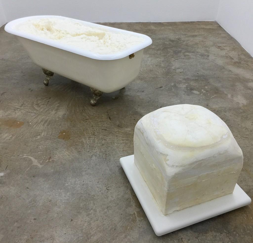 Janine Antoni: Eureka. Bathtub, lard, soap, and Dorian, 1993
