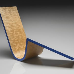 """William Keyser's sculpture """"Blue Ribbon"""" in the Diner's Club exhibition"""